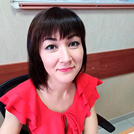 Островская Алия Менеджер по продажам